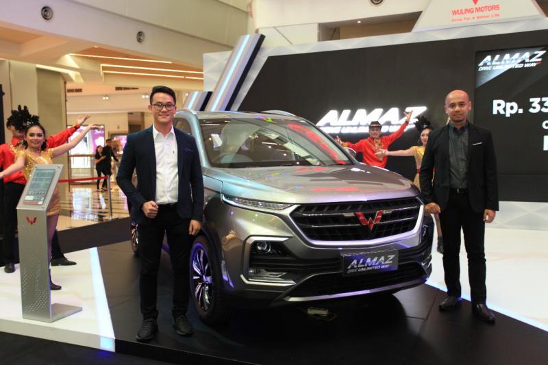 Wuling Almaz diniagakan dengan harga on the road wilayah Medan dan sekitarnya Rp 330.800.000,-