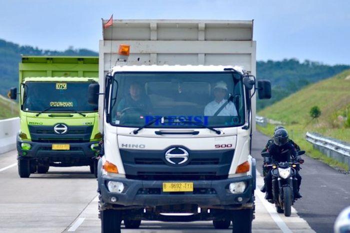 Menurutnya untuk perpindahan barang dari satu tempat ke tempat lain menurutnya membutuhkan trucking. (foto: ist)