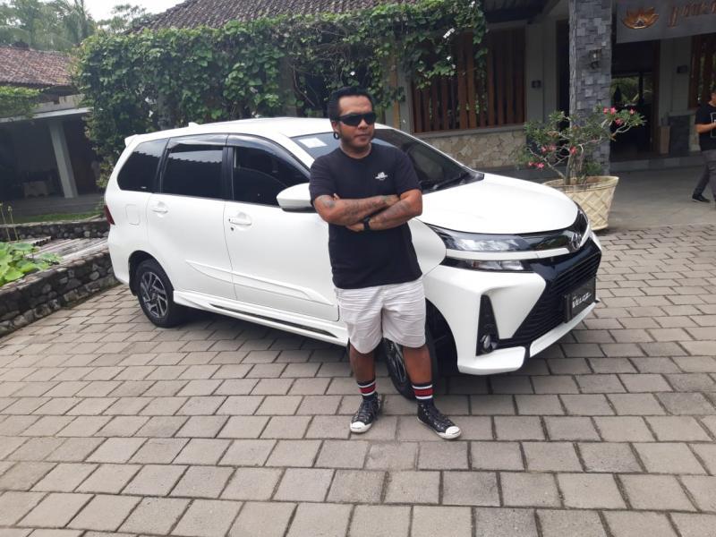 Erix Soekamti bersama New Veloz siap menjelajah Indonesia
