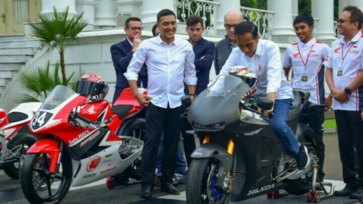 Presiden Jokowi terima CEO Dorna nyatakan siap gelar MotoGP 2021 di Mandalika, NTB. (foto : ist)