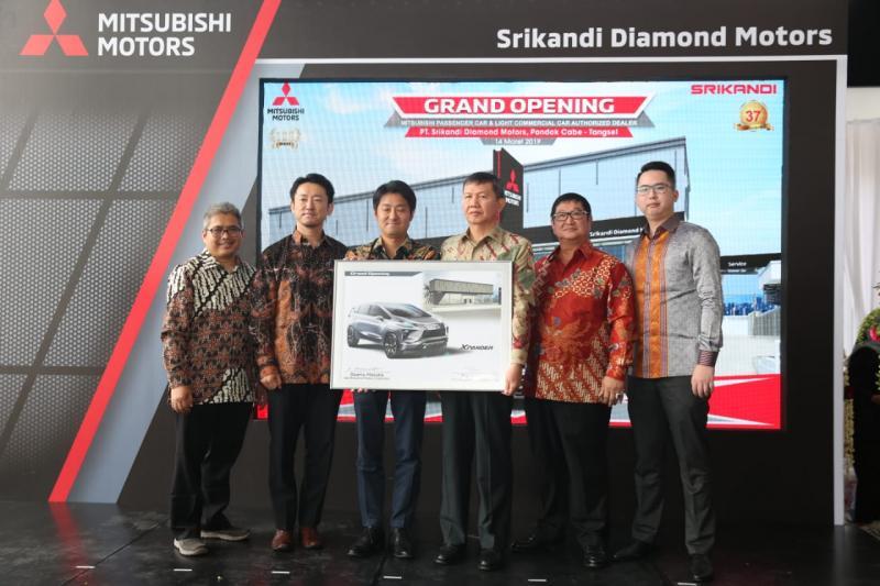 Perluas jaringan, Mitsubishi resmikan outlet baru di Pondok Cabe, Tangerang Selatan, Kamis (14/3)