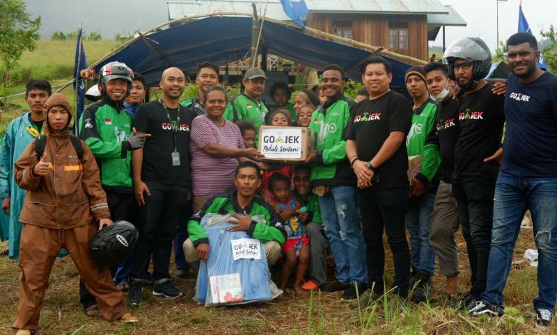 Mitra Gojek peduli korban banjir di Jayapura, Papua. (foto : ist)