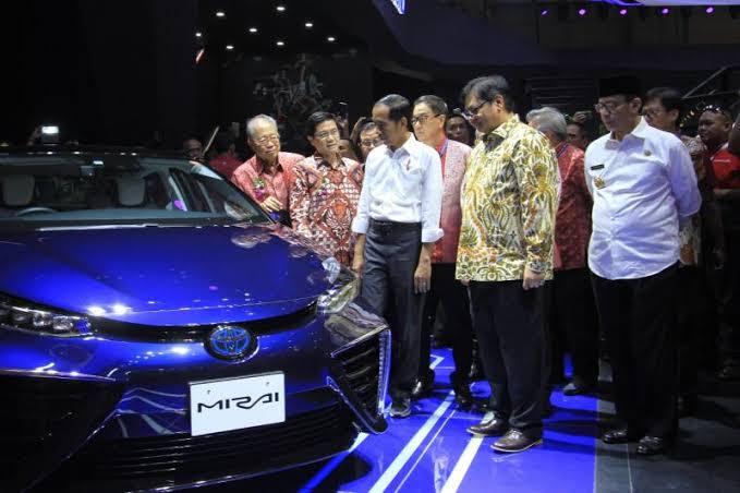 Melalui program tersebut, ditargetkan pada tahun 2025 kendaraan berbasis energi listrik dapat mencapai sekitar 20 persen.