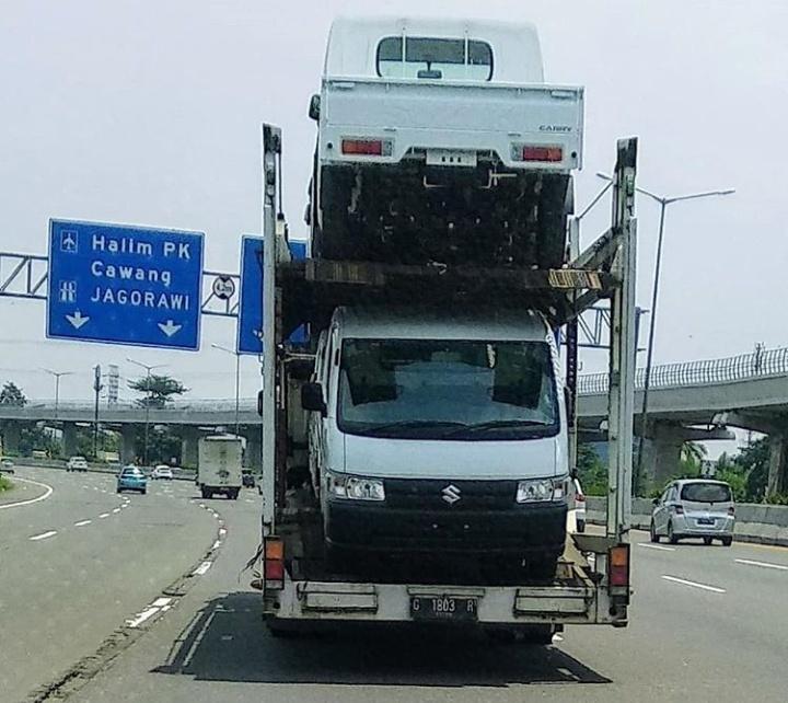 All New Suzuki Carry Pick Up mendapatkan fitur mewah untuk sebuah kendaraan komersial ringan.(foto: istimewa / @bram_asoyy & Endra Rudi)