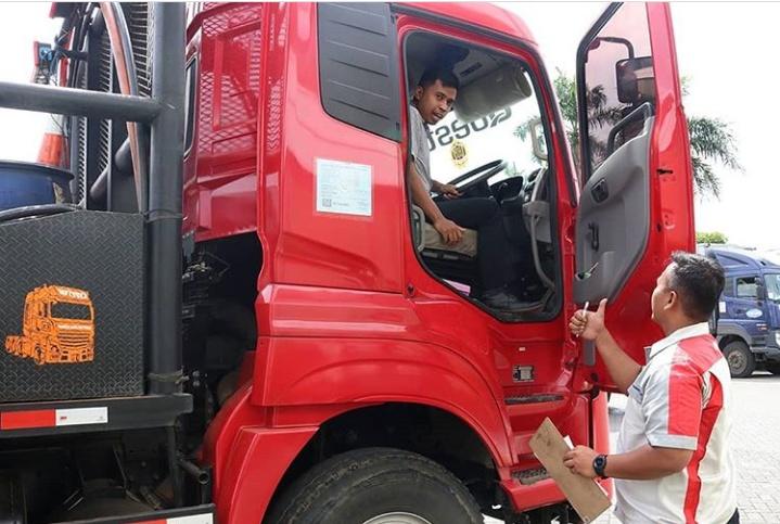SA Astra UD Trucks sudah melalui berbagai sertifikasi khusus untuk meningkatkan keterampilan mereka. (astraudtrucks)