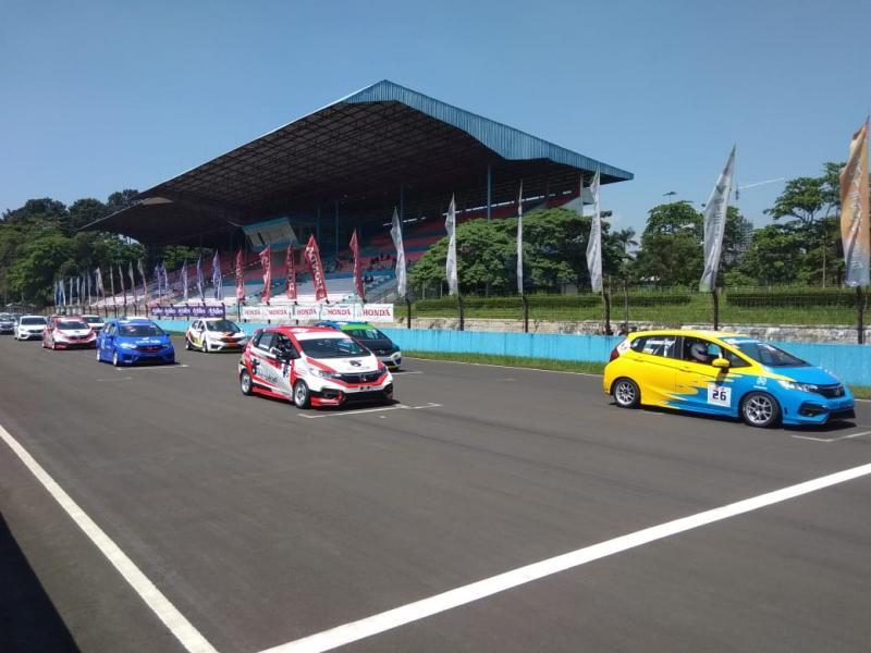 Pada seri pertama, Honda Racing Indonesia mengumumkan peraturan baru dan kategori baru. (anto)