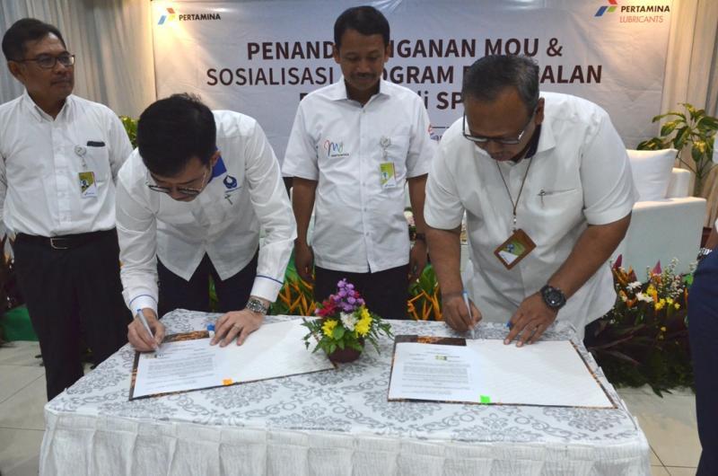 Penandatanganan MoU Pertamina Lubricants dengan Hiswana Migas