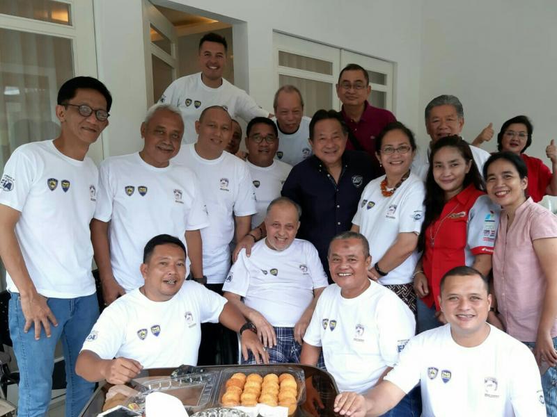 Kunjungi Helmy Sungkar, rayakan ulang tahun dan doa kesembuhan. (foto : ist)