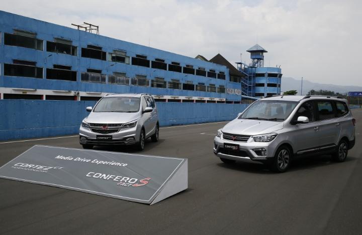 Cortez CT dan Confero S ACT yang diperkenalkan ini adalah varian terbaru di segmen MPV dalam acara bertajuk Media Driving Experience di Sirkuit Internasional Sentul.(foto: Tasya)