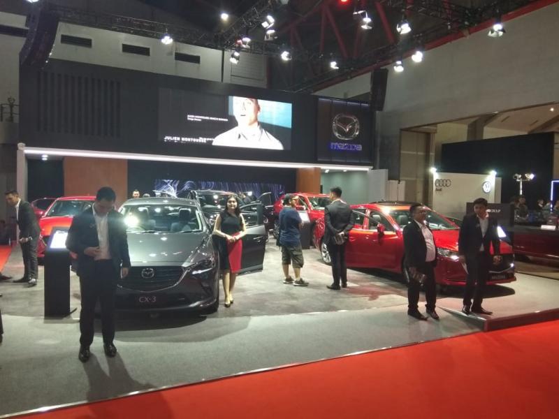 Khusus untuk model Mazda 2 akan mendapatkan lucky dip berupa Limited Carbon Carpet atau Premium Glass Coating. (anto)