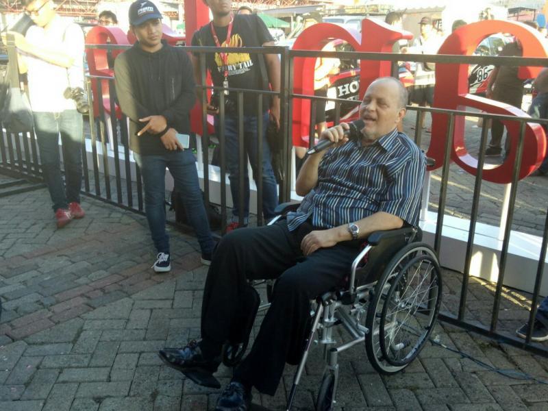 Helmy Sungkar, ngebelain datang ke acara talk show pembalap 3 generasi di Kemayoran. (foto : bs)