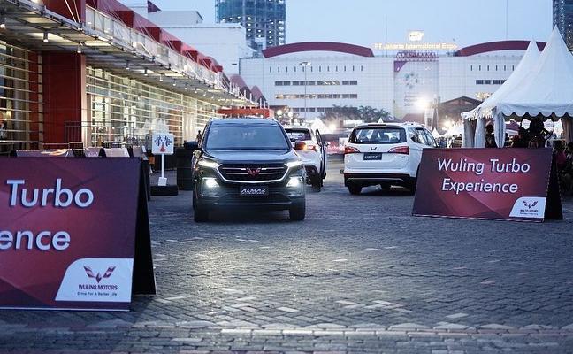 Wuling Exclusive Urban Drive dan Wuling Turbo Experience di lokasi Telkomsel IIMS 2019, ditujukan bagi pengunjung yang penasaran fitur-fitur canggih yang ditawarkan Wuling.