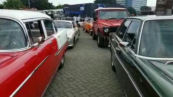 Parade 100 mobil vintage & klasik semarakkan Telkomsel IIMS 2019
