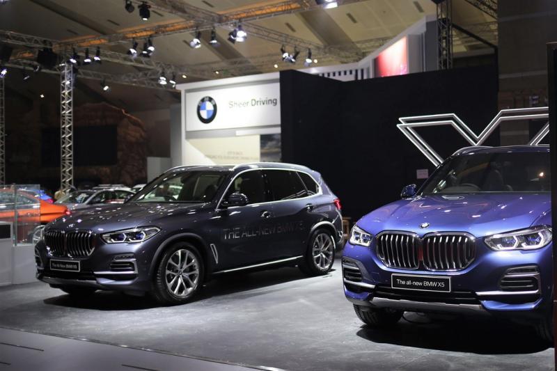 Pemesanan tertinggi dibukukan BMW Seri 5, diikuti oleh Sport Activity Vehicle (SAV) terbaru, All-New BMW X5 dan SAV BMW X1.