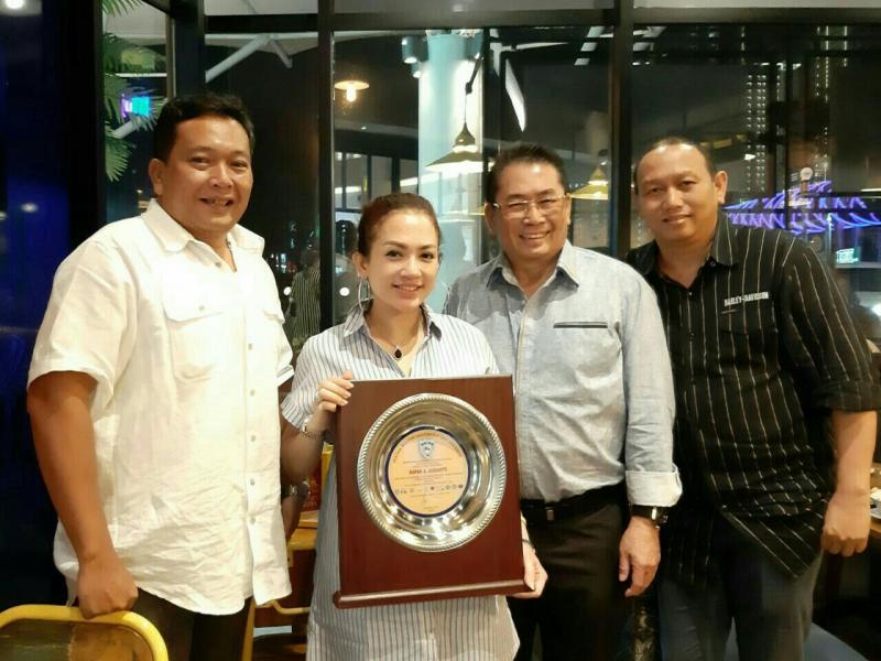 Bukber dan silaturahmi pengurus IMI DKI dengan A Judiarto & istri. (foto : bs)