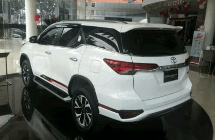 Fortuner konsisten sebagai penyumbang terbesar prestasi ekspor Toyota Indonesia. (foto : ist)