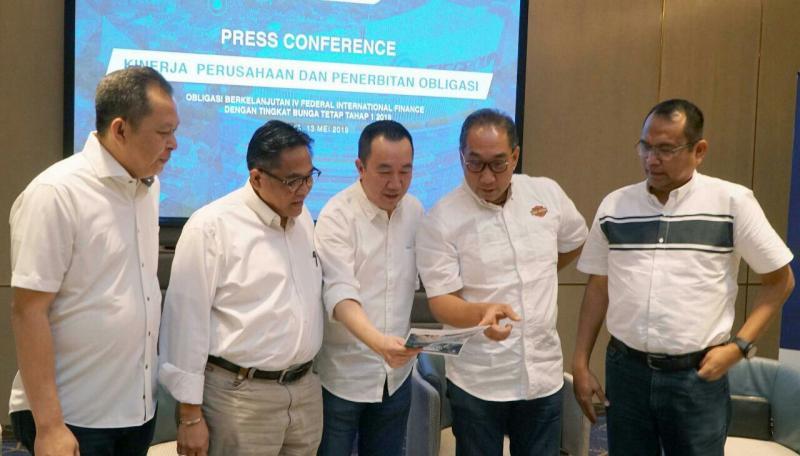 Board of Director FIF Group pada preskon dilanjutkan bukber dengan media Senin hari ini di Jakarta