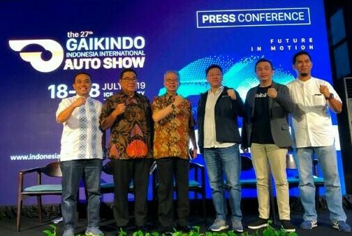 Rudy Chen dari Astra Finansial bersama panitia GIiAS 2019 saat bukber bersama media pada Selasa hari ini di Jakarta