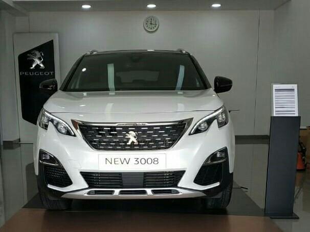 Peugeot New 3008 sudah mejeng di Astra Peugeot Solo. (foto : peugeot)