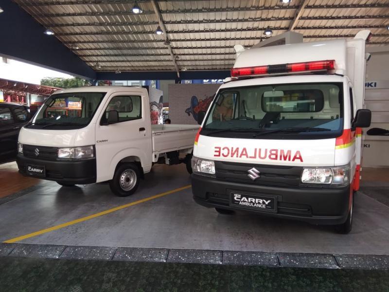 PT SIS memajang dua unit New Carry, dalam versi pick up standar dan versi ambulance. Ditemani model Suzuki lain seperti Ertiga, Baleno, APV dan Karimun Wagon R. (anto)