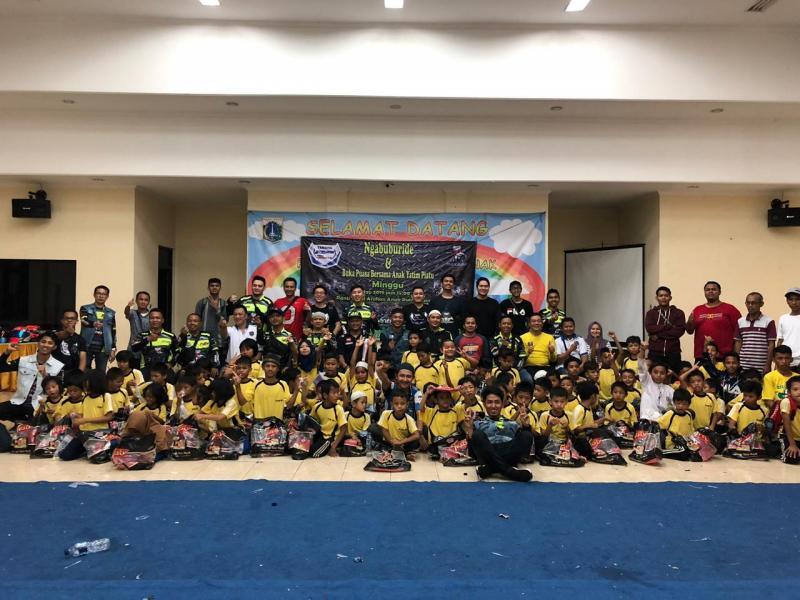 YROI chapter Jakarta berbagi bersama anak yatim di bulwn Ramadhan