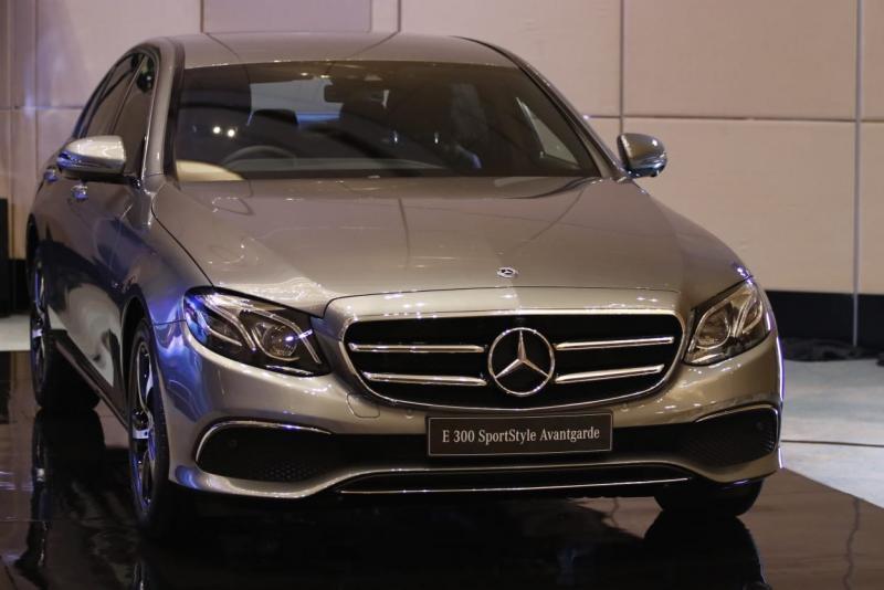 Mercedes Benz E 300 SprtStyle Avantgarde rakitan pabrik Wanaherang, Bogor