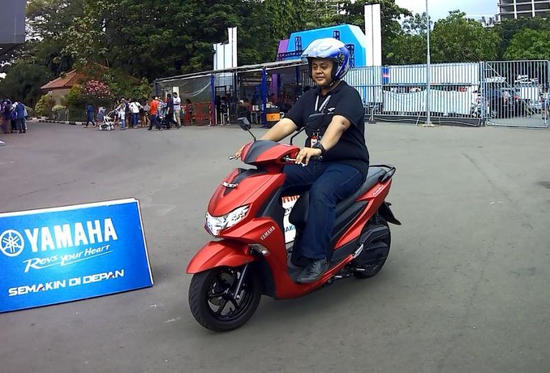 Mengusung mesin kapasitas 125 cc dengan teknologi blue core mampu melajukannya dengan enteng. (anto)