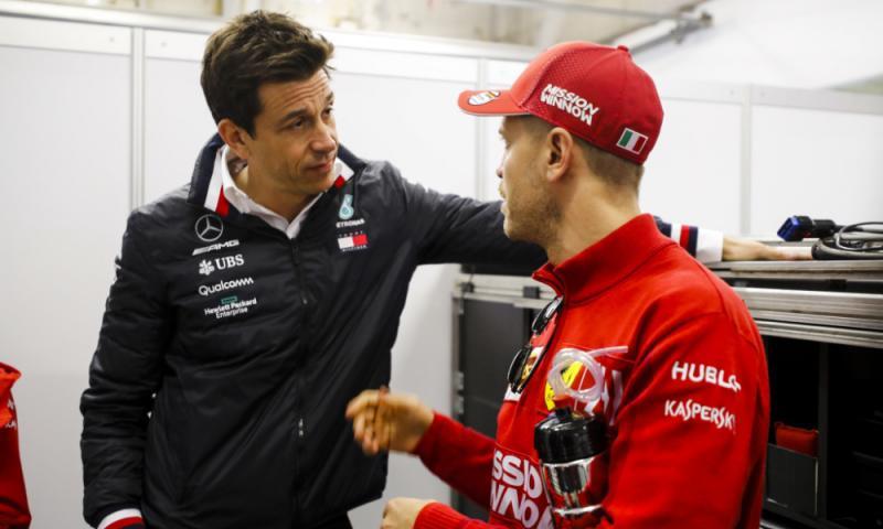 Toto Wolff (kiri) bersama Sebastian Vettel (ist)