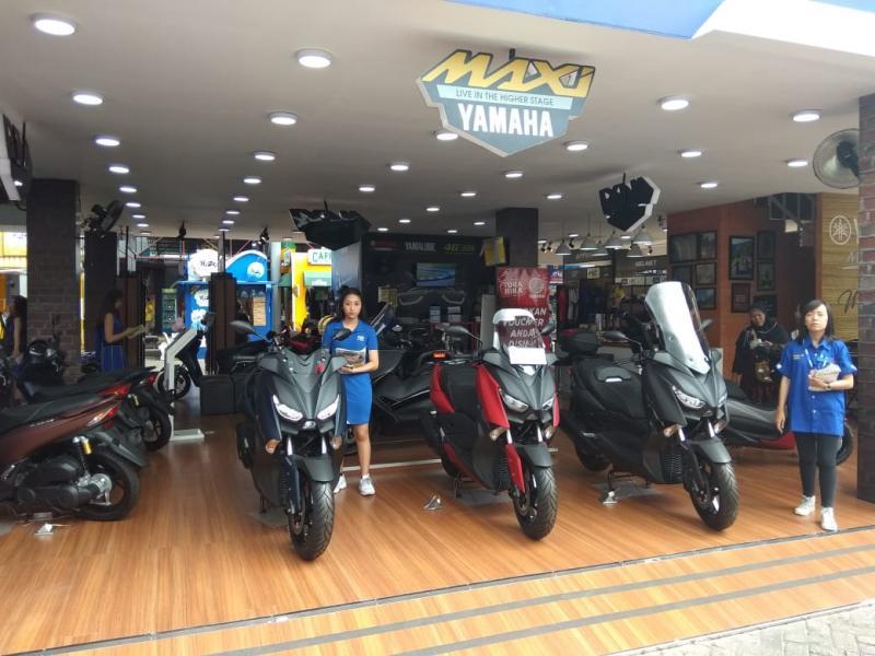 Seluruh model dari keluarga Maxi Yamaha ditampilkan, mulai NMax, Aerox, Lexi 125, XMax 250 hingga Tmax 600 yang ditempatkan di area khusus di booth. (anto)