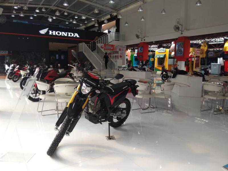 Tingkat kepercayaan konsumen membeli produk sepeda motor Honda lebih baik dari tahun sebelumnya di event yang sama. Dimana ada kenaikan hingga 18 persen. (anto)