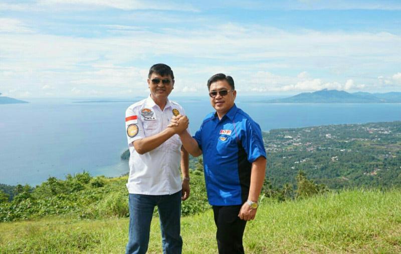 Irjen Pol Sam Budigusdian dan Tonny Hendrik Lasut di Tetempangan Hill. (foto : Ha Er) .