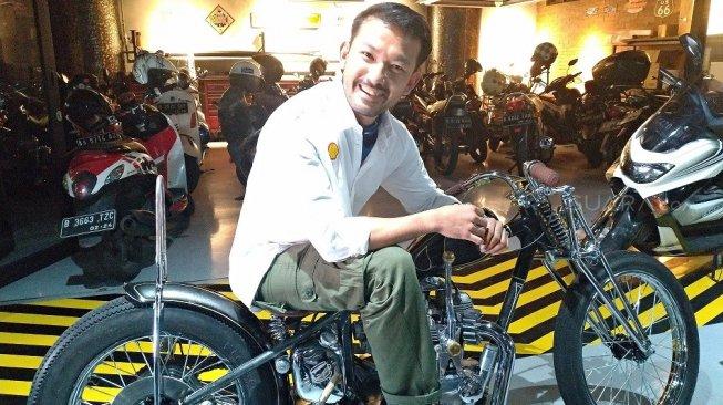 Aktor Rio Dewanto lagi gemar maen motor custom (ist)