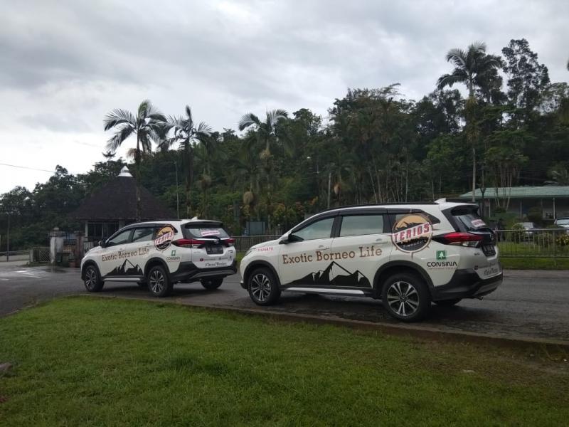 Hari pertama ekspedisi Terios 7 Wonders ditutup jalan-jalan ke Kuching Statue yang merupakan ikon negara bagian Sarawak.(anto)