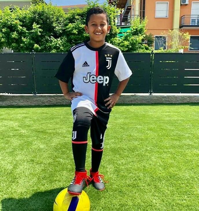 Qarrar Firhand, suka bermain bola di sela balapan dan mengidolakan Cristiano Ronaldo