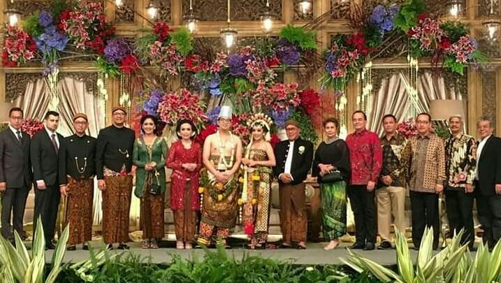 Komunitas balap meramaikan resepsi pernikahan putri tokoh balap ETCC Titus Wahyudi di The Ritz Carlton Pacific Place Jakarta