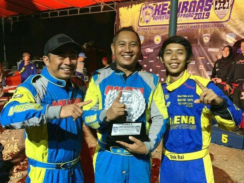 Trio Joko Permana, dr Jack dan Dek Ray dari tim Galena Nusantara Racing berjaya di Tasikmalaya