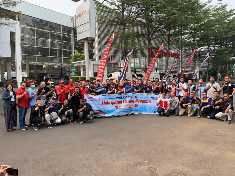 Acara ini diikuti oleh 55 peserta yang terdiri dari 19 klub mobil Daihatsu yang tergabung dalam Daihatsu Owners Bandung (DOB).