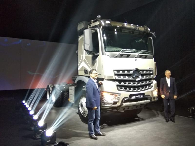 The New Actros and Arocs merepresentasikan platform strategis dan futuristik dari Daimler yang dapat memenuhi kebutuhan saat ini dan masa depan. (anto)
