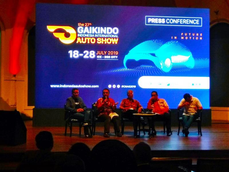 Untuk program Group Ticket dan Family Ticket Pemesanan tiket hanya dapat dilakukan melalui www.indonesiaautoshow.com. (anto)