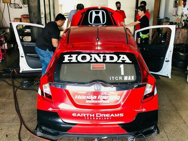 All New Honda Jazz Alvin Bahar di-dyno test dulu sebelum berlaga di putaran 2 ISSOM akhir pekan ini.