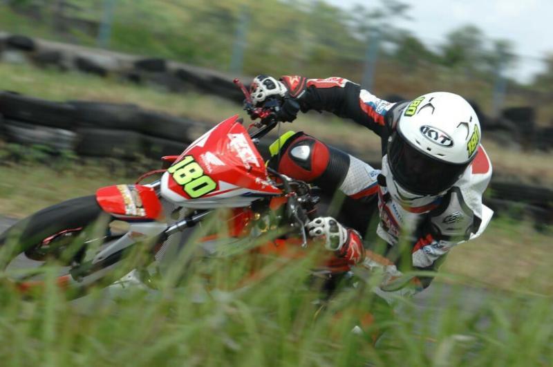 Afridzasyah Munandar, cetak waktu tercepat di home race sirkuit Bukit Puesar Tasikmalaya. (foto : astra rt)