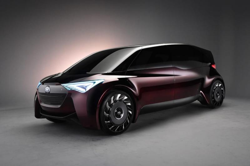 Fine Comfort Ride (F-CR), sebuah teknologi kendaraan autonomous yang mampu melahap jarak 700 KM dengan waktu pengisian bahan bakar antara 3-5 menit.