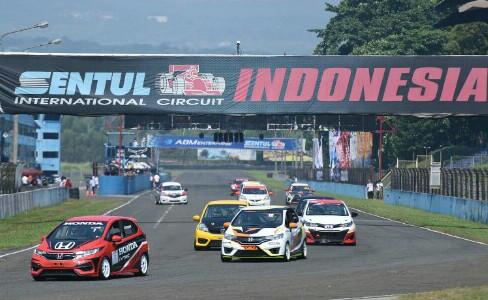 Honda Jazz & Brio Speed Challenge semakin populer dan diminati peserta. (foto : hpm)