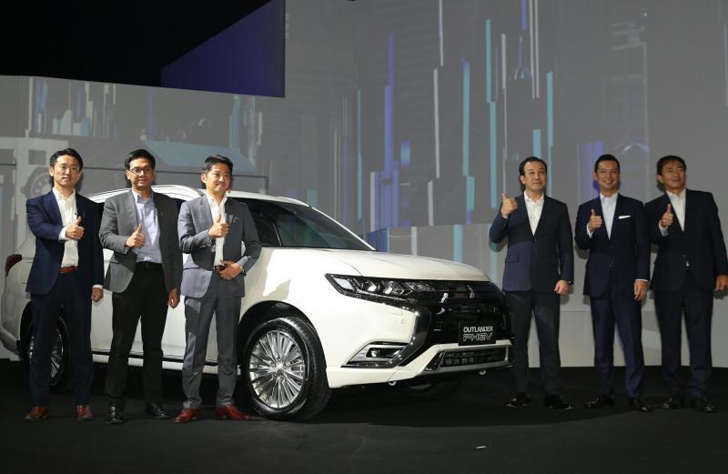 Mitsubishi New Outlander Phev diperkenalkan kalangan terbatas di Jakarta, Selasa (9/7/2019) malam