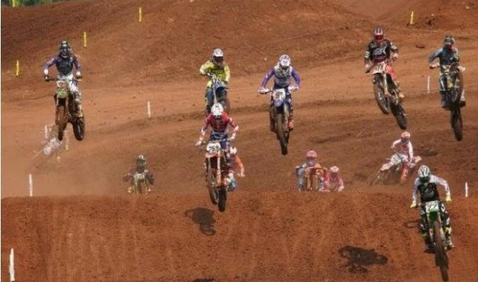 Kemeriahan kejuaraan dunia motocross MXGP di Semarang tahun lalu.