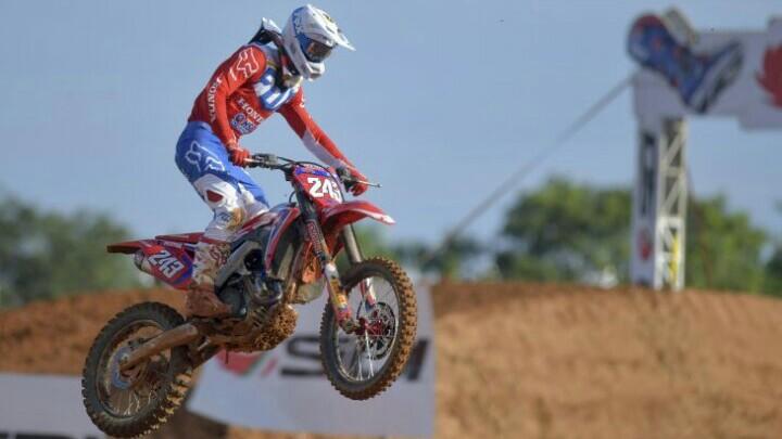 Tim Gajser kuasai 2 race kelas MXGP di sirkuit BSB Mijen Semarang