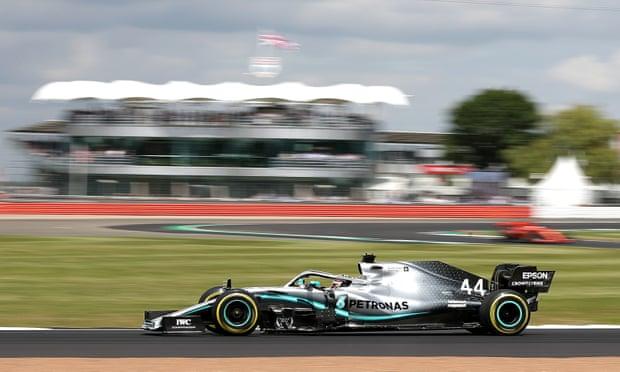 Lewis Hamilton pecahkan rekor kemenangan terbanyak di Sirkiut Silverstone, Inggris. (Foto: theguardian)