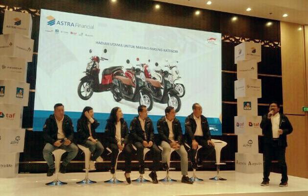 Yulian Warman ketika sampaikan lomba penulisan & foto Astra Financial di Jakarta, Senin kemarin.