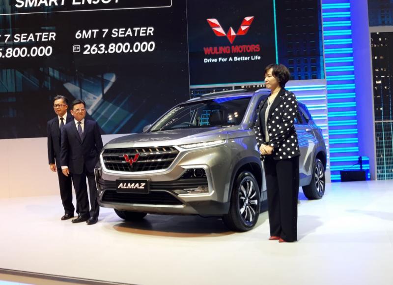 Wuling Almaz 7 seater dengan teknologi WIND varian tertinggi dibanderol Rp 338,8 juta