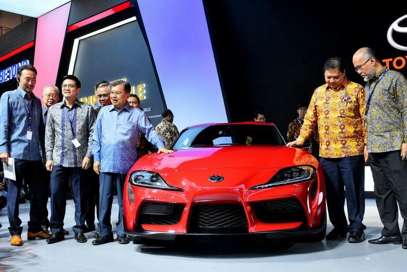 Toyota Supra di booth Toyota dikunjungi Wapres Jusuf Kalla dan Menperin Airlangga Hartarto